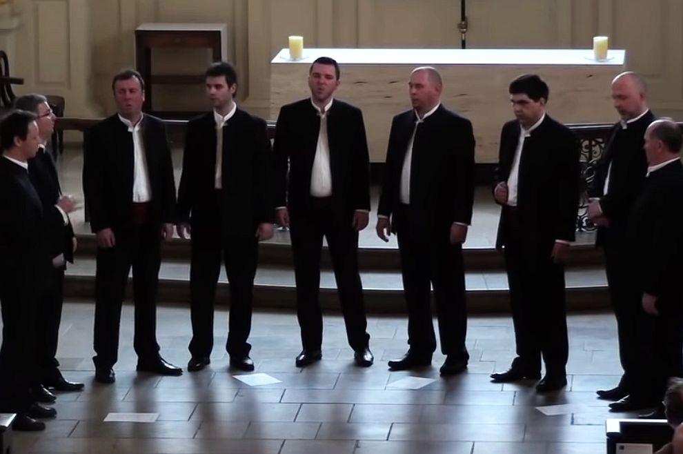 Predivna izvedba naše klape, u Londonu, Cohenove Hallelujah