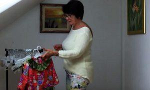 Svoje slobodno vrijeme ova frizerka iz Koprivnice daruje djeci iz Afrike šivajući im odjeću
