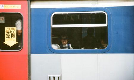 dječak u vlaku
