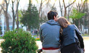 Vi ste zaljubljeni, a on/ona vas vidi samo kao prijatelja - promislite o ove 4 stvari